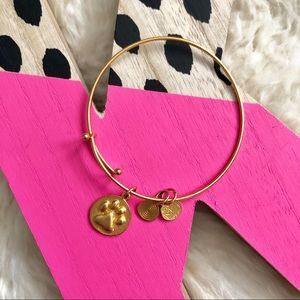 Paw Print 🐾 Charm Expandable Gold Bracelet
